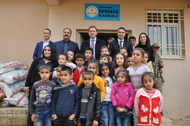 Köy Okulu Öğrencilerine Kıyafet Dağıtıldı