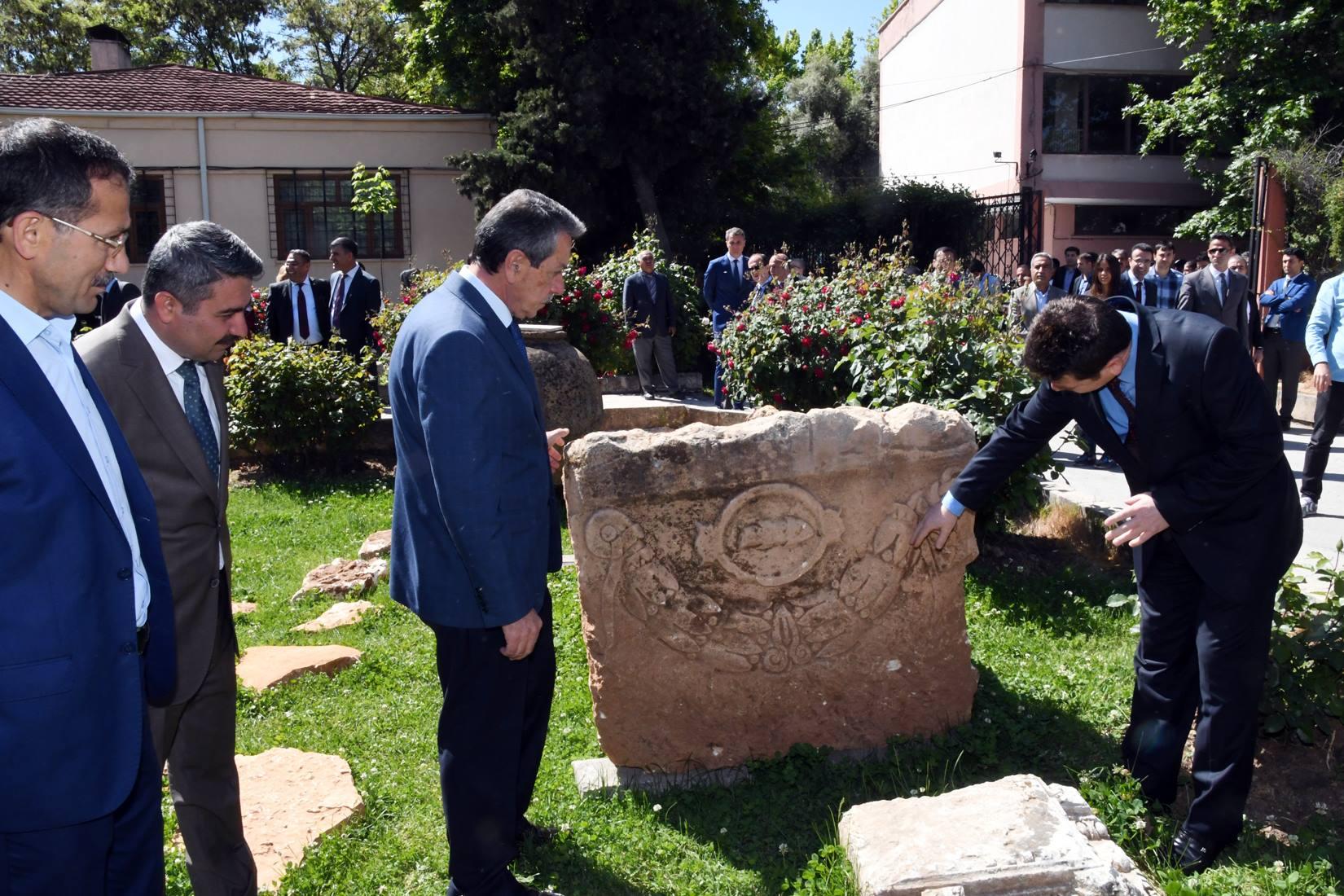 Turizm Haftasına Lahit Mezar Damga Vurdu