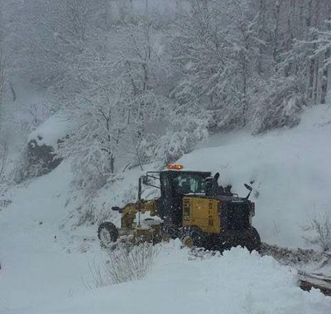 Kar, Köy Yollarını Ulaşıma Kapattı
