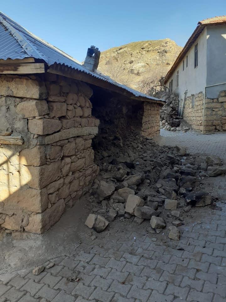 Vali Pekmez Deprem Bölgesinde İncelemelerde Bulundu