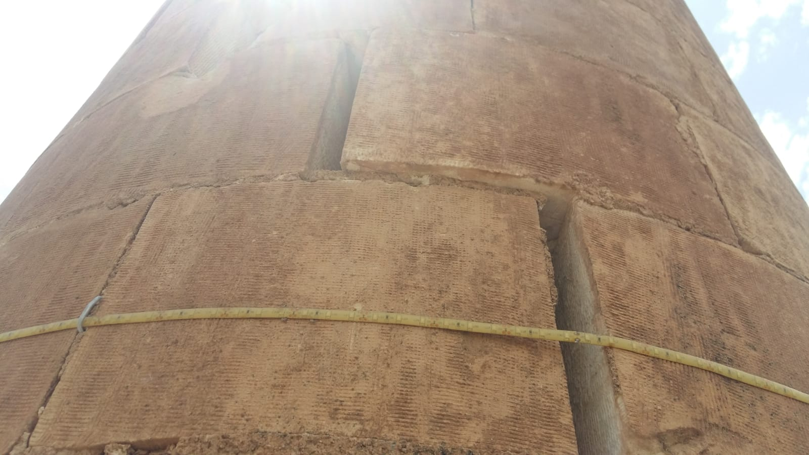 Depremde Hasar Gören Minare Tehlike Saçıyor