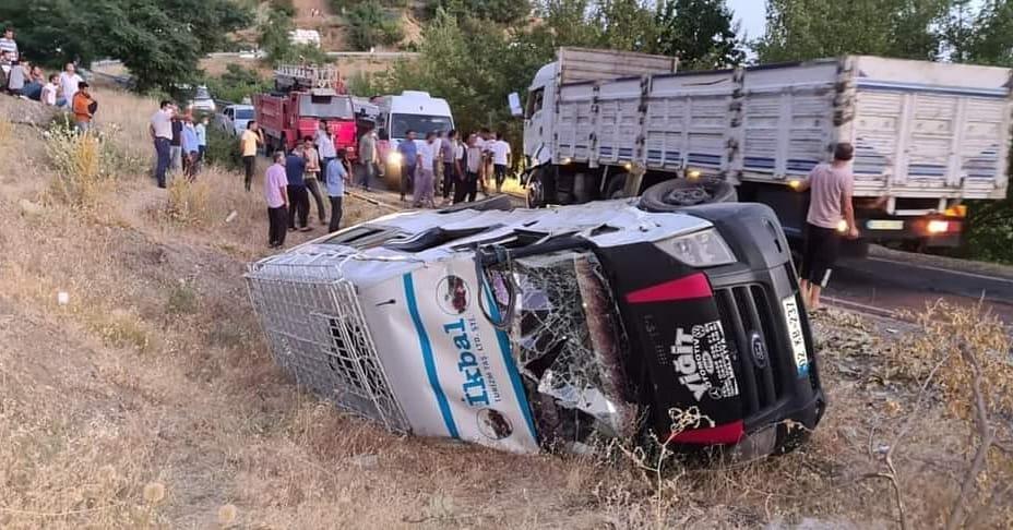 Fındık İşçileri Kaza Yaptı; 2'si Ağır, 12 Yaralı